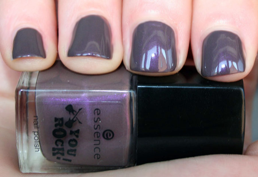 02 Love peace and purple - Essence