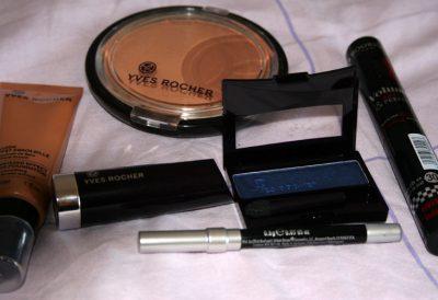 Maquillage bleu avec Yves Rocher !