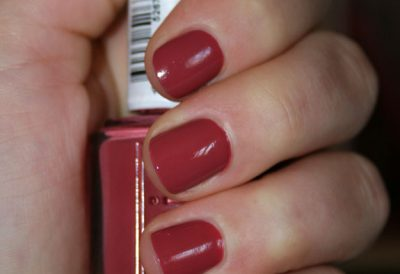 In Stitches – Essie
