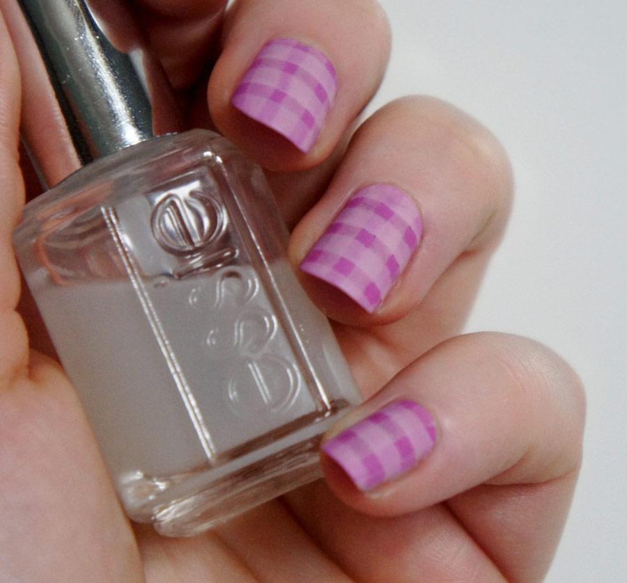 Nail art n°3 : Vichy par Emilie