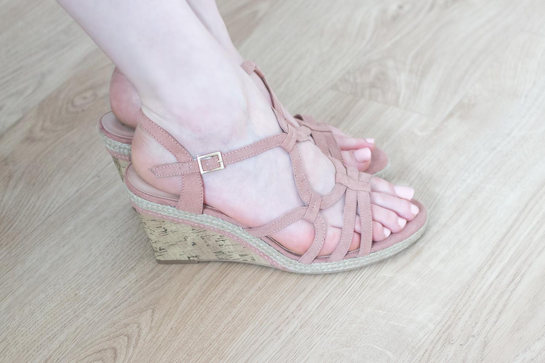 Sandales compensées roses - New Look